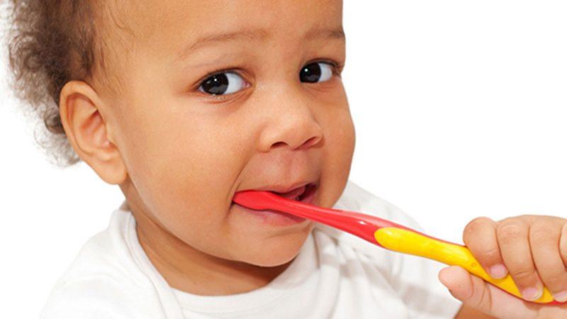 Higiene bucal para bebês